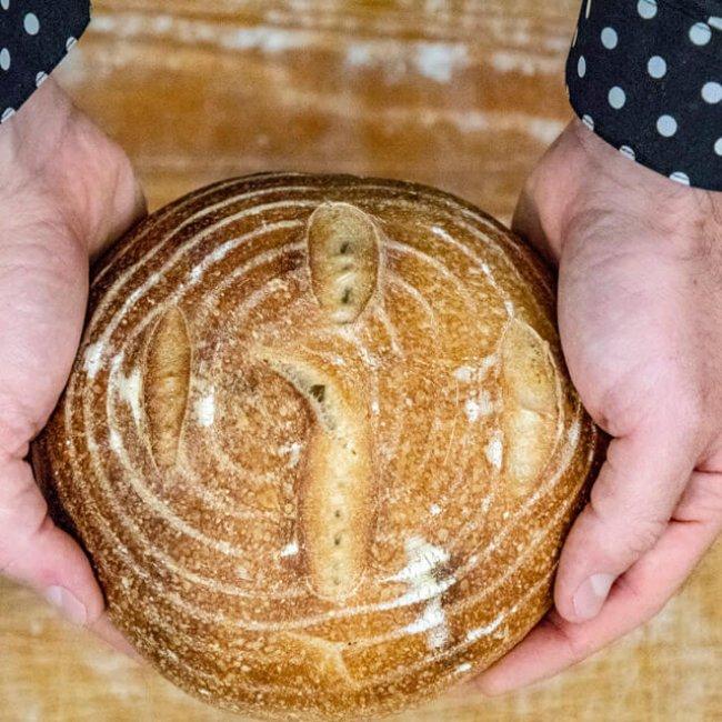 Kváskovy chlieb s burčiakom