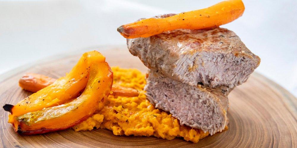 Strip steak s pyré z pečenej zeleniny